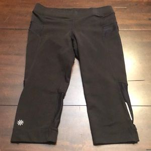 Athleta running capris with back pocket